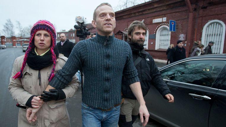 Greenpeace-activist Mannes Ubels vandaag met zijn vriendin. Beeld AP