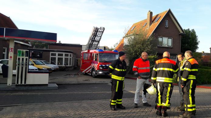De brandweer heeft nog enkele uren nageblust.