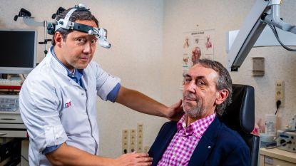 """Eerste patient krijgt chip tegen snurken: """"Hopelijk raak ik nu van die 103 decibel af"""""""