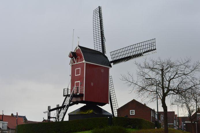 De uit 1684 daterende Standerdmolen aan de Molendijk in Sint-Annaland.