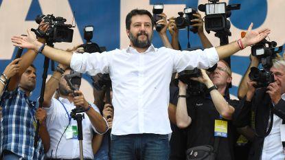 """Zelfzekere Salvini spreekt 80.000 aanhangers toe: """"wij krijgen onze ministeries terug"""""""