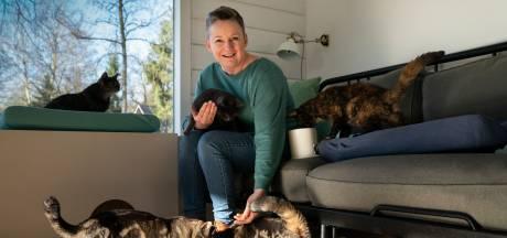 Met al die katten en zónder drankkaters is Arianne de Jong simpelweg gelukkig: 'Dit is wie ik ben'