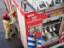 Bewoner naar ziekenhuis na inademen rook door brand in West