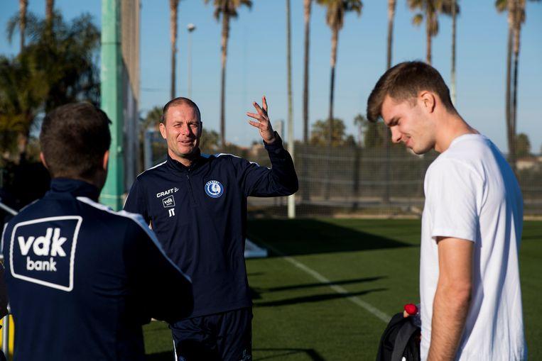 Assistent-coach Johnny Molby (l), Jess Thorup (midden) en Alexander Sorloth.