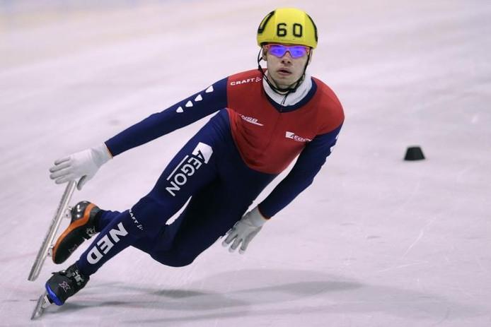 Shorttracker Sjinkie Knegt plaatste zich zondag voor de Winterspelen in Vancouver. foto Proshots/GPD