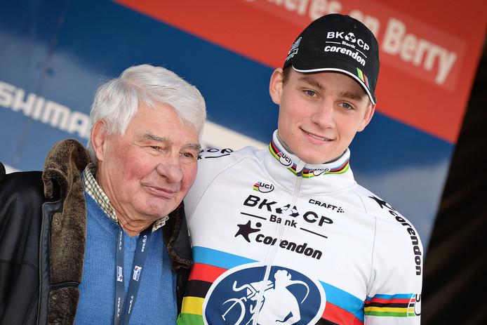 Van der Poel met zijn opa Raymond Poulidor.