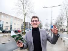Thijs is pas 18 jaar en nu de dichter van worstelende Heumenaren