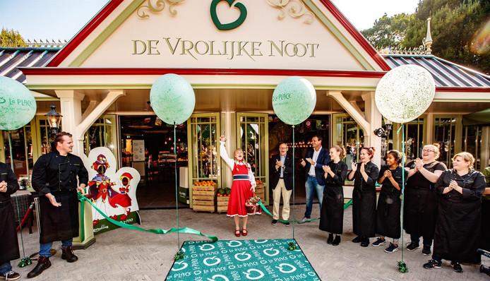 De nieuwe vestiging van La Place in de Efteling is geopend.