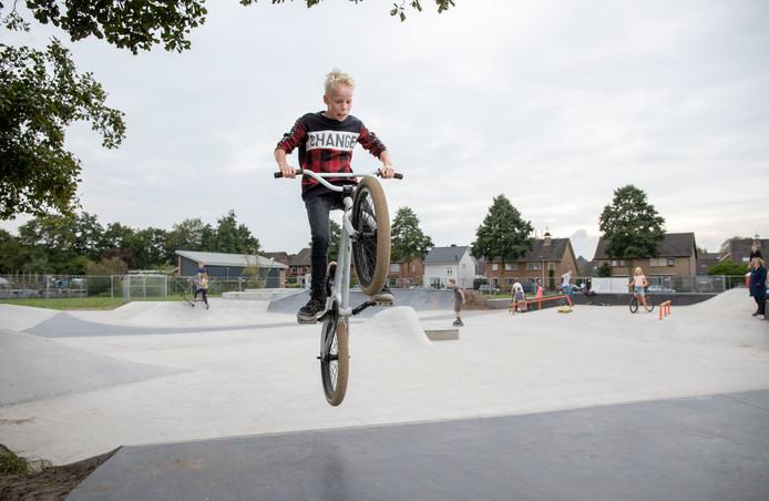 Dankzij wijkwaardebonnen heeft Wouter Beek er voor gezorgd dat er een BMX-baan kwam in Ederveen.