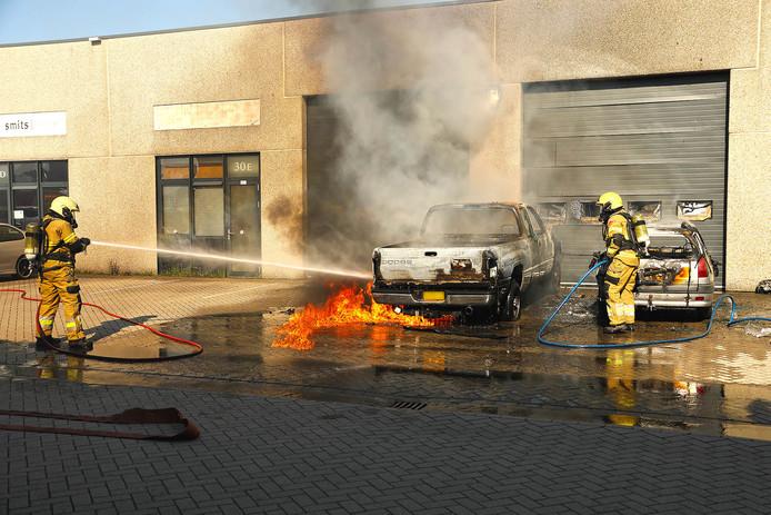 Brand bij vuurwerkbedrijf in Oss