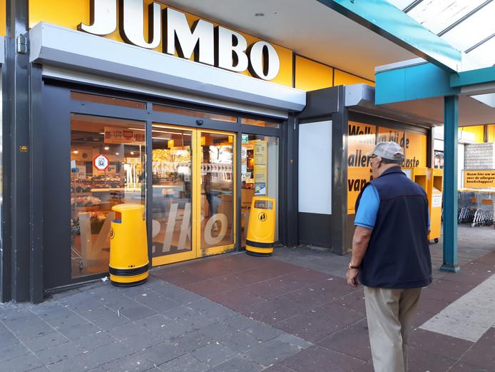De Jumbo in Malvert was de dag na de overval gewoon open.