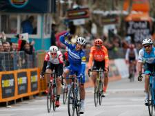 Alaphilippe verrassend de snelste in massasprint Tirreno-Adriatico