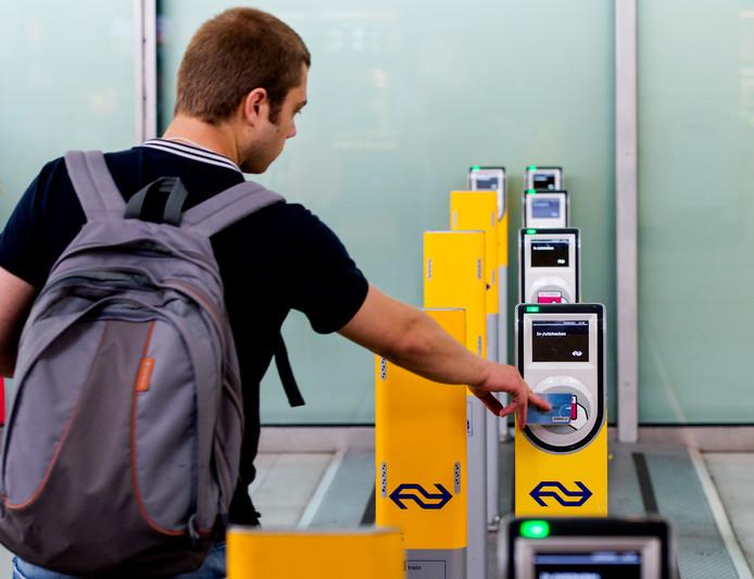 Ov-chipkaartscanners van de Nederlandse Spoorwegen op het Station Utrecht Centraal.