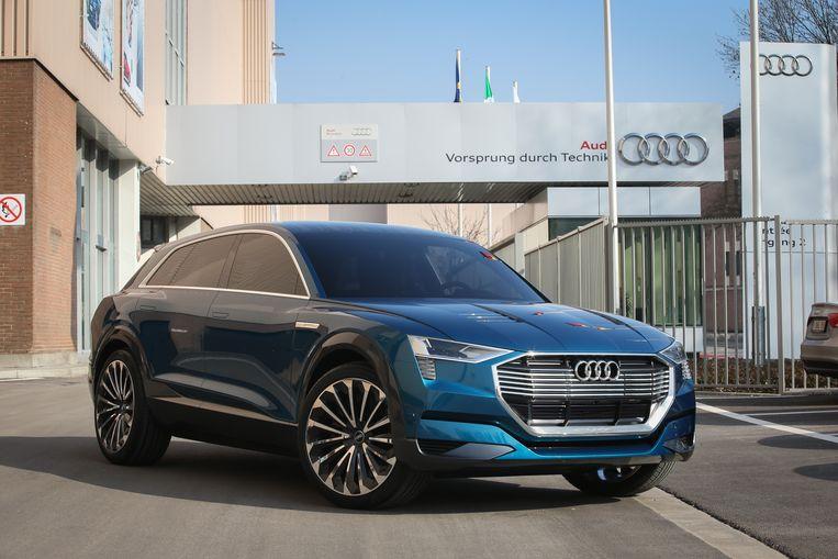 De Audi e-tron voor de fabriek in Vorst waar de eerste volledig elektrische SUV van het merk wordt geproduceerd.
