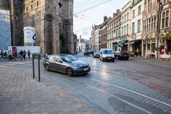 Vanaf juni 2016 rijdt geen enkele auto nog langs het Gravensteen.