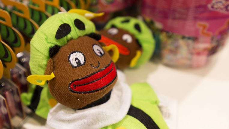Zwarte Piet in een filiaal van de Hema in de Haagse binnenstad. Beeld anp