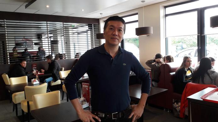 Liyi Chen van De Schuiven dreigt met schadeclaim richting Caiway als de kabelexploitant  internetstoring niet snel oplost.
