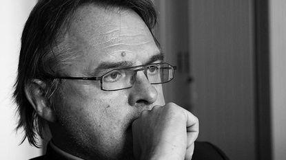 """Verhofstadt geschokt na overlijden De Ruyver: """"Een van m'n beste medewerkers die goede kameraad werd"""""""