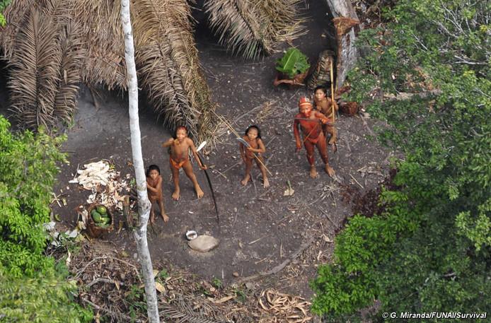 Tien leden van een geïsoleerde levende Braziliaanse stam zijn afgeslacht door goudzoekers. (ARCHIEFBEELD)