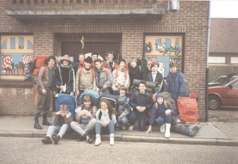 KSA Maasmechelen aan het oud lokaal in de Deken Bernardstraat.