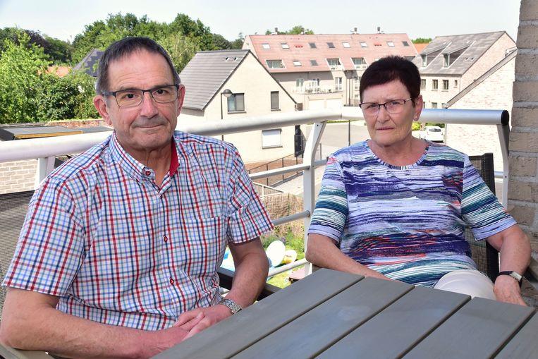 Francine Vermeeren, die beroofd werd van haar handtas, met haar man Dirk Buyck.