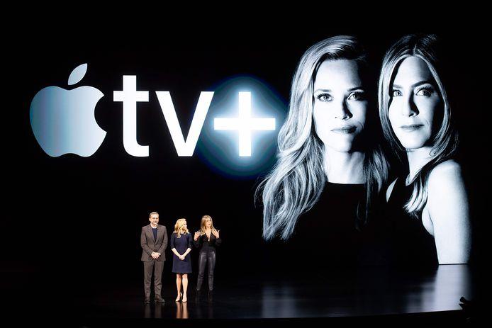 Les acteurs Steve Carell, Reese Witherspoon et Jennifer Aniston, lors d'un événement de lancement d'Apple TV+, en mars, au siège d'Apple