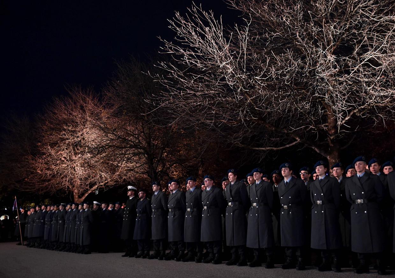 De inhuldigingsplechtigheid van de nieuwe soldaten van de Bundeswehr bij het Residentiepaleis in München. Beeld Christof Stache / AFP