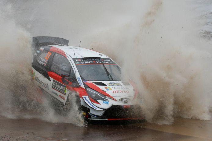 Elfyn Evans in actie tijdens de Rally van Zweden.