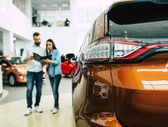 Bijna 6 op 10 nieuwe wagens rijden op benzine