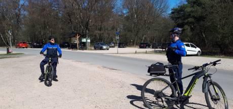 Politie Arnhem-Zuid deelt boetes uit, stopt feestje en waarschuwt kapper