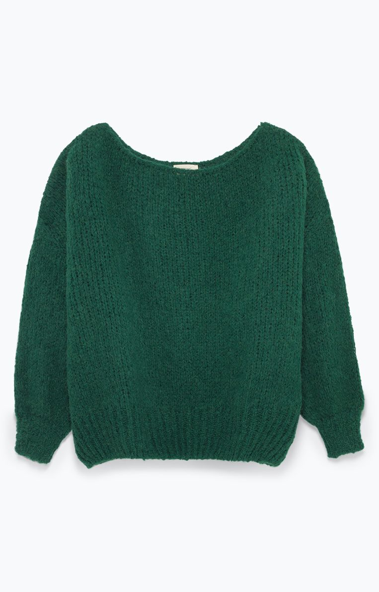 Korte groene trui van American Vintage, 135,-. Beeld Productie & illustraties: Vanessa Oostijen.
