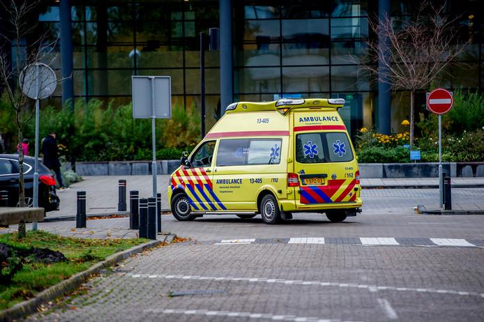 Ambulances hebben de patiënten naar andere ziekenhuizen verplaatst.
