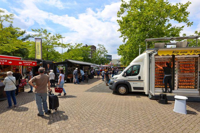 De weekmarkt op het Kastelenplein.