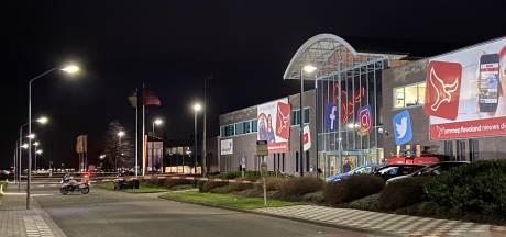 EOD haalt illegaal vuurwerk uit auto Omroep Flevoland