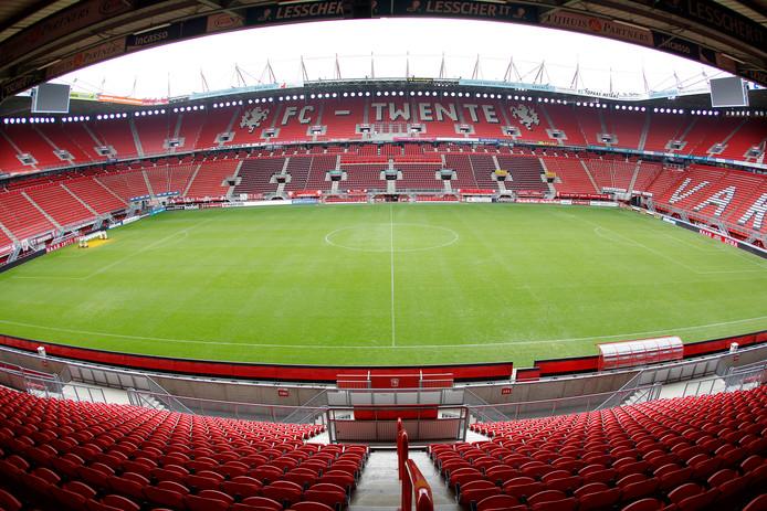Een groot scherm in de Grolsch Veste zou uitkomst kunnen bieden voor de supporters van FC Twente.