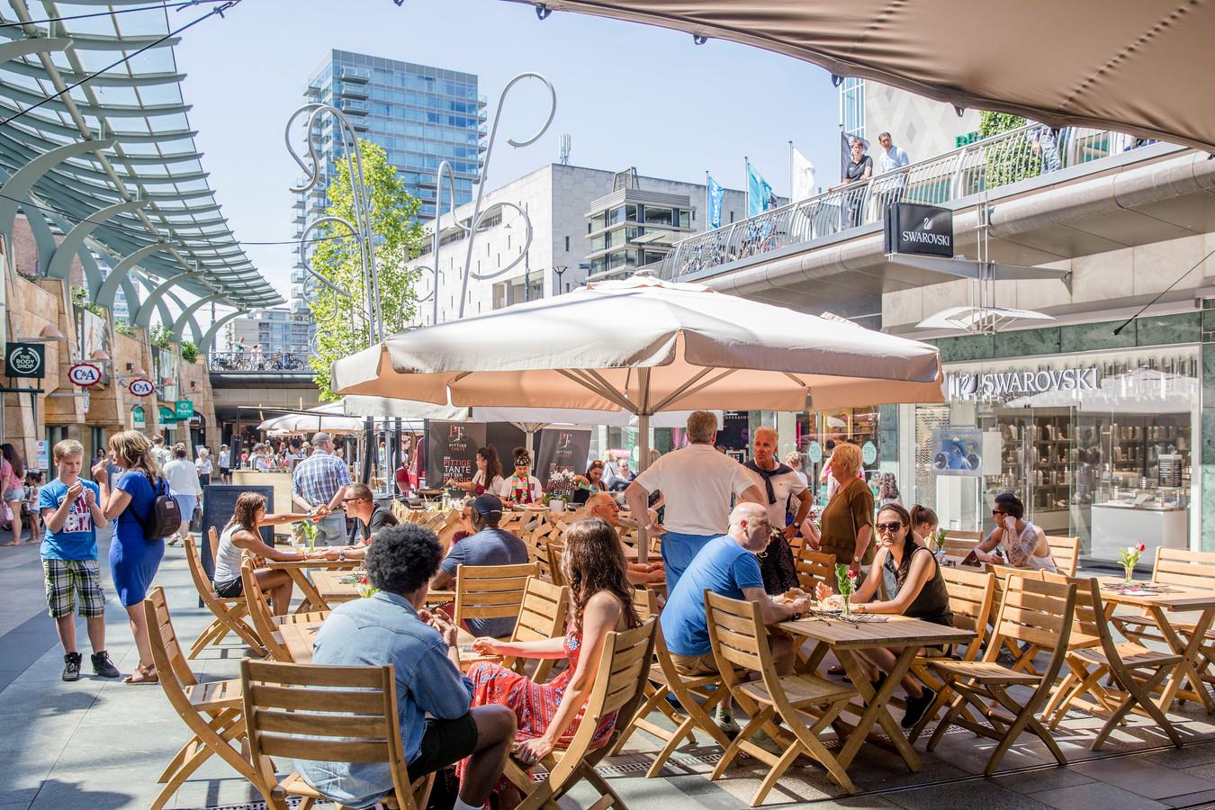 De Rotterdamse Koopgoot verandert eind mei in een heuse 'kookgoot' tijdens het nieuwe culinaire festival GastRO.