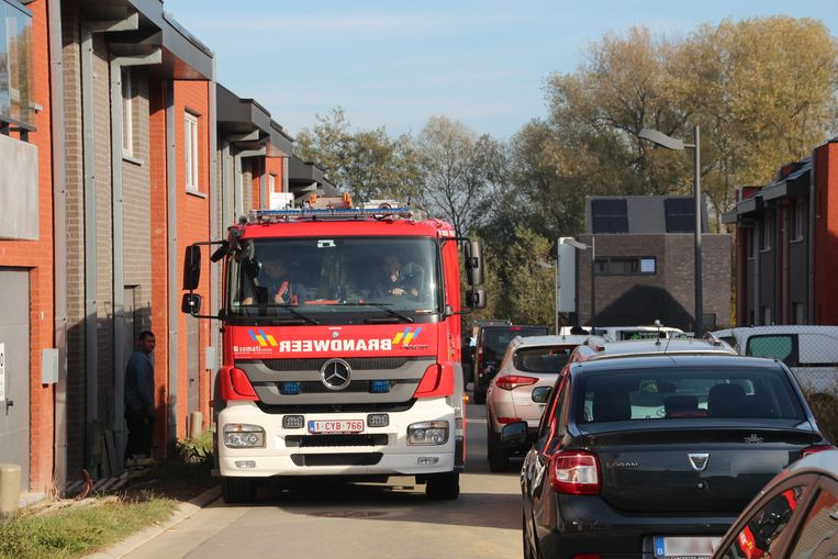 De brandweerwagens verdwenen zodra bleek dat er geen gevaar was.