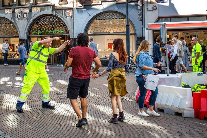 Verkeersregelaars hebben het er hoe dan ook nog steeds druk mee in het centrum van Utrecht
