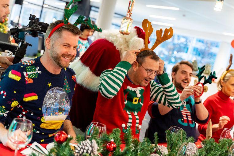 De Joe-collega's vierden de start van hun nieuwe zender met een kerstdiner.