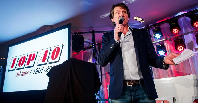 Het kort geding tegen Radio 538 is aangespannen door Stichting Nederlandse Top 40 onder voorzitterschap van Erik de Zwart.