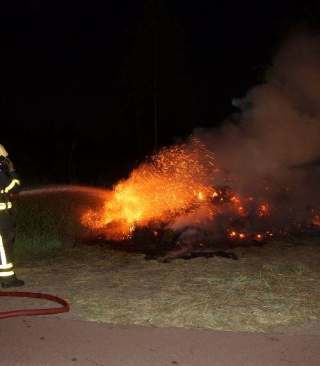 Berg gras in brand in Sprang-Capelle