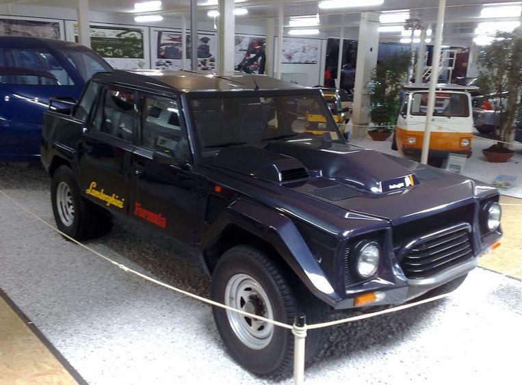 De LM002, Lamborghini's eerste SUV.