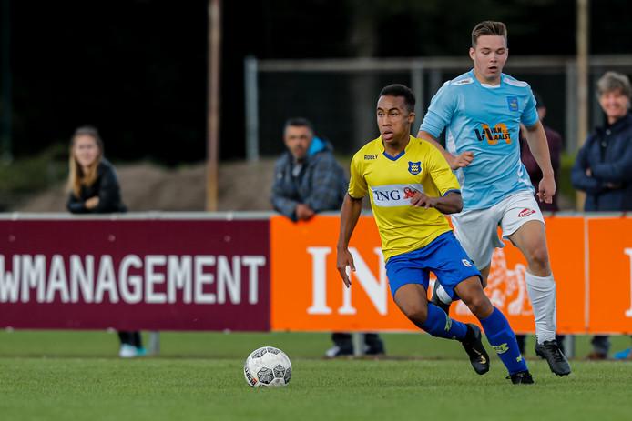 Dongen-speler Roshendley Saez (hier op archiefbeeld) scoorde tegen Blauw Geel'38.