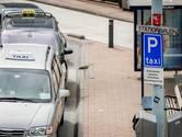 Schadevergoeding van 1975 euro én taakstaf voor Kameriker die taxichauffeur mishandelde