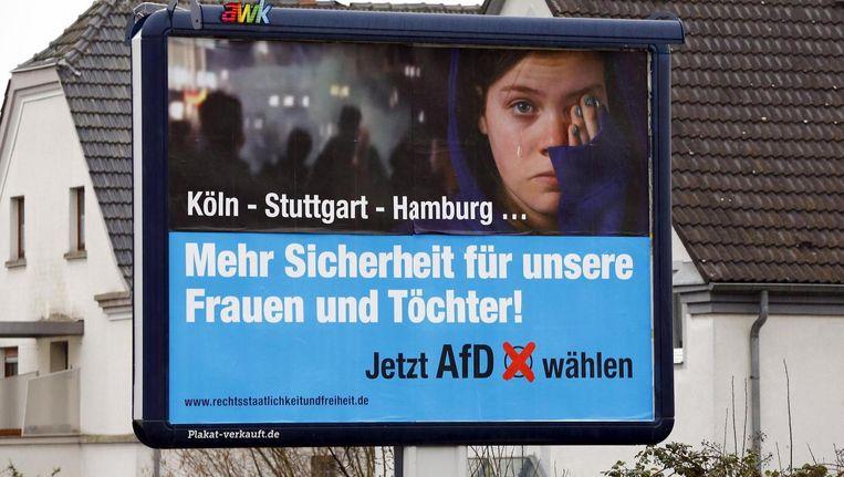 Poster van de poplulistische Alternative für Deutschland: 'Veiligheid voor onze vrouwen en dochters.' Beeld