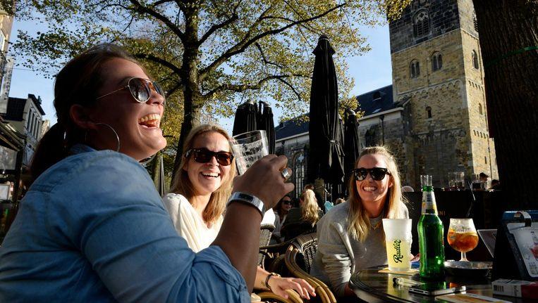 'Als Nederlanders een biertje drinken, is dat steeds vaker alcoholvrij.' Beeld Eric Brinkhorst