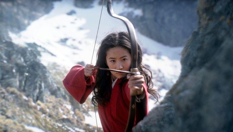 Yifei Liu als Mulan, die de boodschap van girlpower moet uitdragen.  Beeld AP