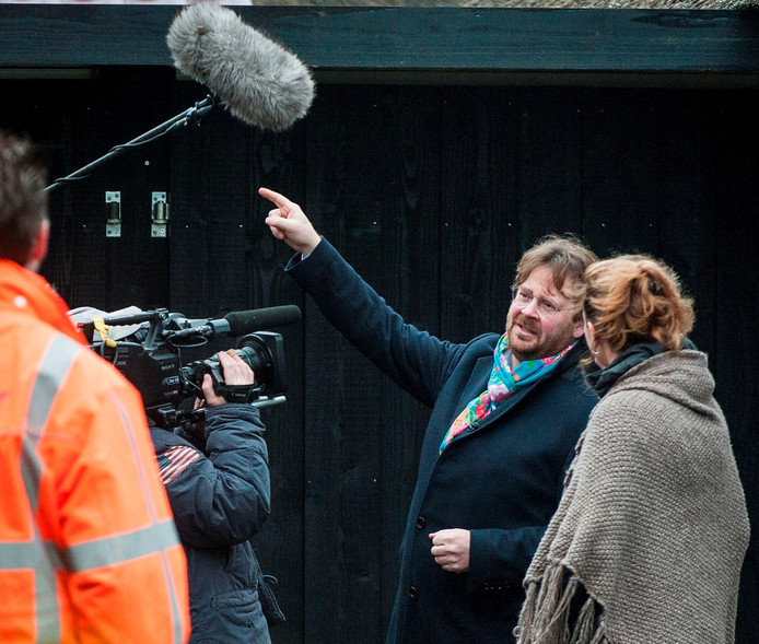 De Rijdende Rechter John Reid tijdens de opnames in gesprek met Moniek Heupink. Foto: Emiel Muijderman