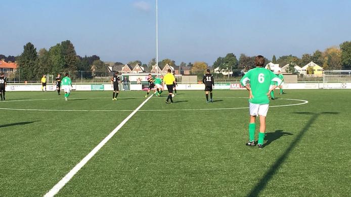 RKHVV staat al op een 3-0 voorsprong tegen SCP.
