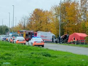 Achtervolging eindigt met zware crash op E19: drie doden nadat bestuurder spookrijdt